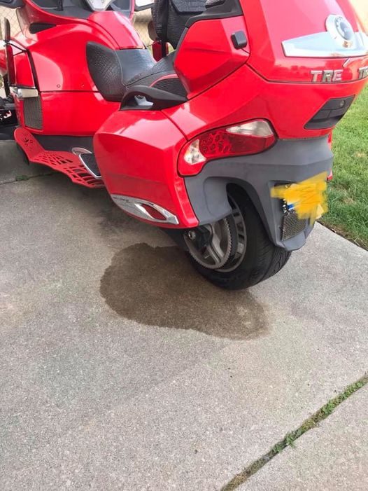 Can-Am Spyder Leaking...